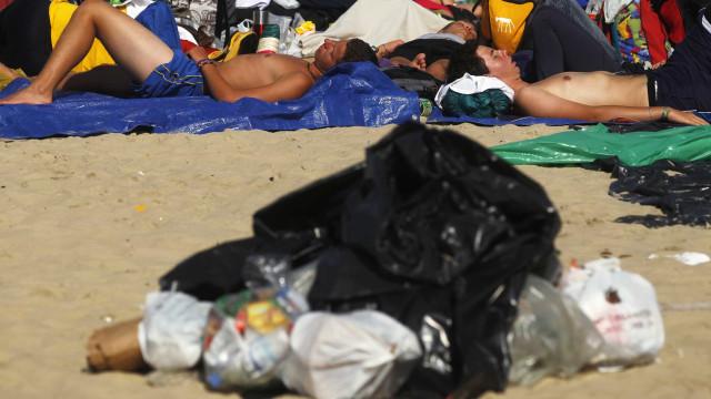 Transporte de lixo no Rio deve ser normalizado na próxima semana