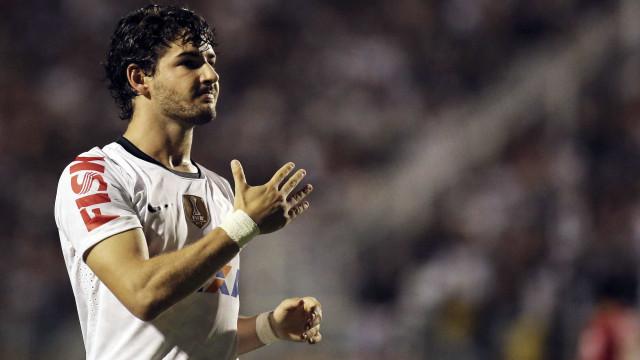 Pato sugere ter sido alvo de boicote de alguns jogadores no Corinthians