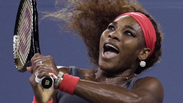 'Serena tem que encarar a realidade para voltar vencer', diz treinador
