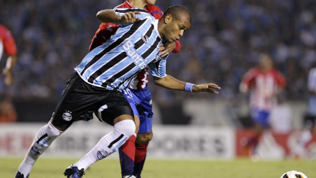 Corinthians enfrenta o Grêmio e começa a definir futuro