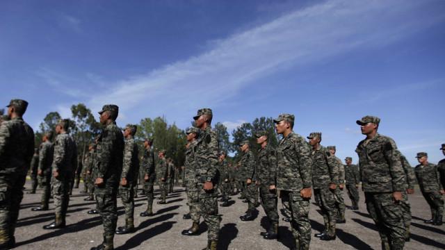 Ação dos militares começa com 400 homens