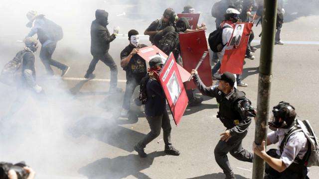 Manifestações em Brasília são marcadas por confrontos