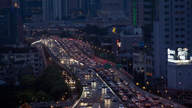 Trânsito continua intenso em vias do litoral norte de SP