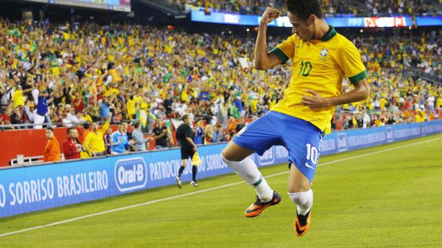 Parreira aposta em Neymar entre 3 melhores do mundo