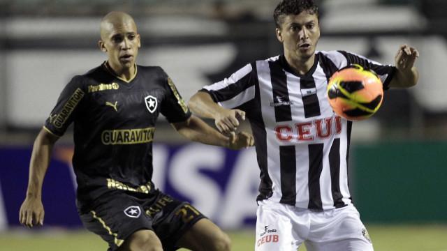 Botafogo empata com Lusa no Maracanã e deixa o G4