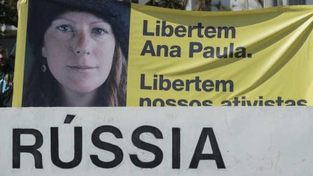 Audiência de ativista brasileira é adiada para amanhã