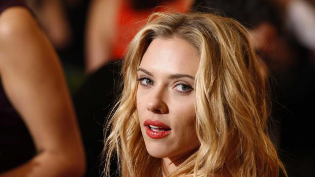 Scarlett Johansson desabafa sobre ver sua imagem usada em filmes pornôs