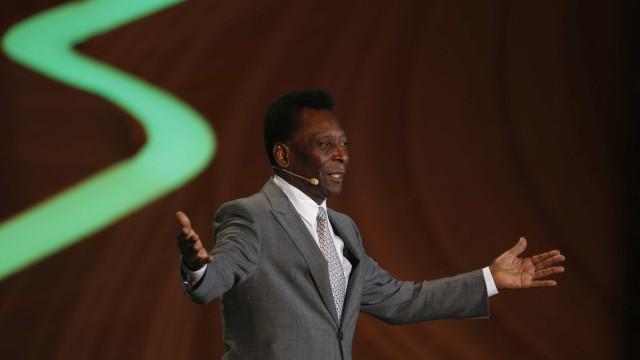 Internado em São Paulo, Pelé diz que são apenas exames de rotina