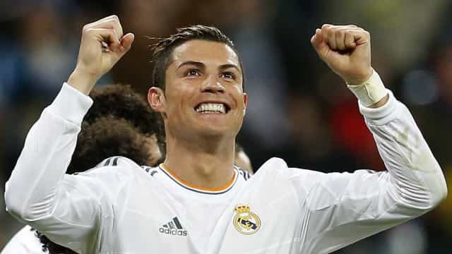 Real Madrid se reabilita após derrota em clássico e bate o lanterna Levante
