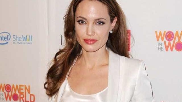 Angelina Jolie está tirando curso de culinária