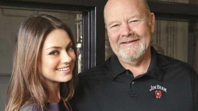 Mila Kunis estrela a nova campanha do whisky Jim Bean