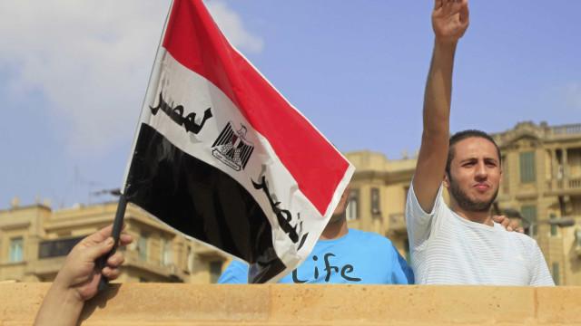 Administradores de páginas do Facebook  são presos no Egito