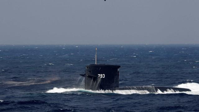 França e Alemanha vão usar submarino nas buscas por avião