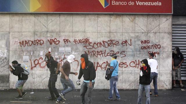 """Estudantes querem """"praças da resistência"""" em toda a Venezuela"""
