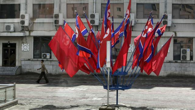 Coreia do Norte bloqueia redes sociais