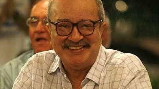 Corpo do escritor João Ubaldo Ribeiro é enterrado no Rio