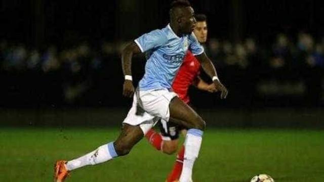 Manchester City abandona jogo por ato racista contra Fofana