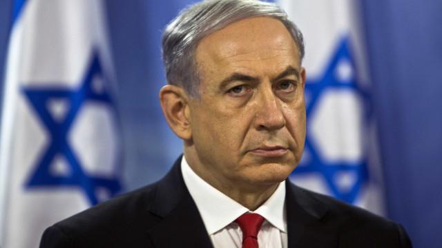 Manifestantes pedem saída de Netanyahu após denúncia de corrupção