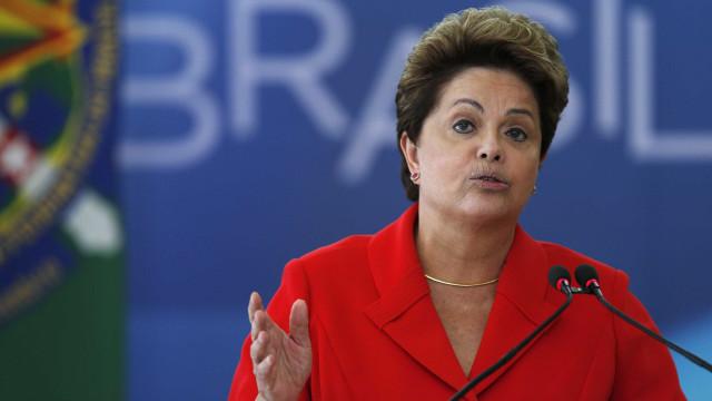 Dilma sanciona lei que altera o Simples Nacional