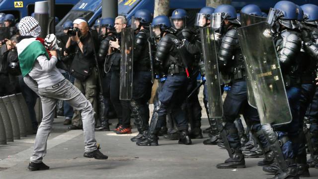 França mobiliza milhares de polícias devido a manifestações agendadas