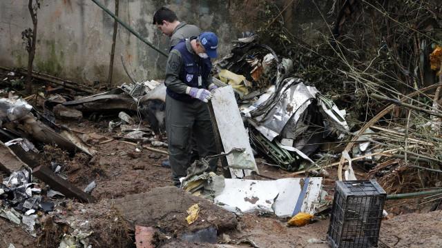 Não há prazo para identificação dos corpos do acidente em Santos