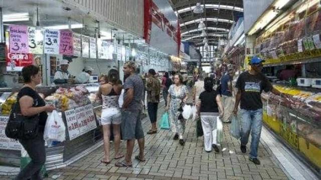 Entidades da indústria e do comércio criticam alta da Selic
