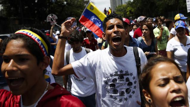 Protestos na Venezuela terminam com mais de 30 detidos