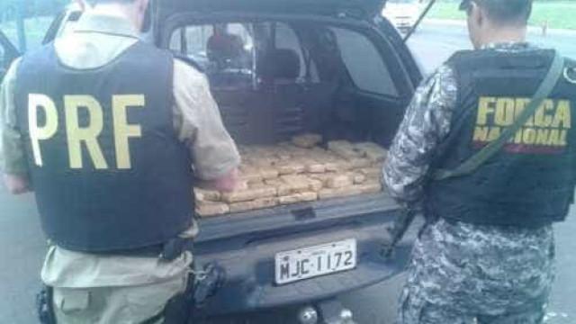 PRF prende casal com meia tonelada de maconha em rodovia do Rio
