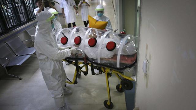 Paciente com suspeita de ebola apresenta quadro estável