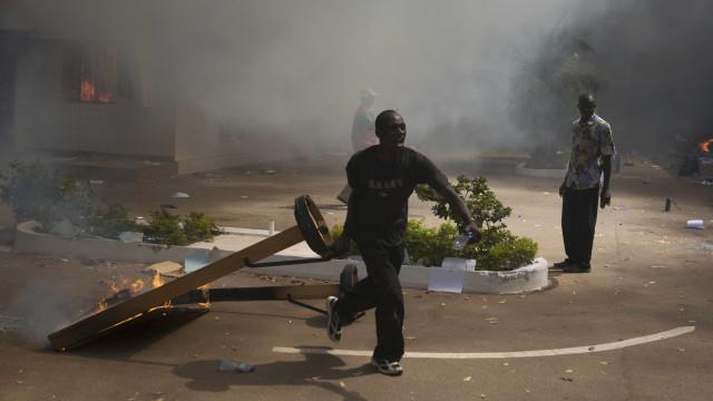 Ataque a mercado no Burkina Faso faz mais de 30 mortos