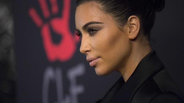 Kim Kardashian pede a Bruce Jenner para se resguardar
