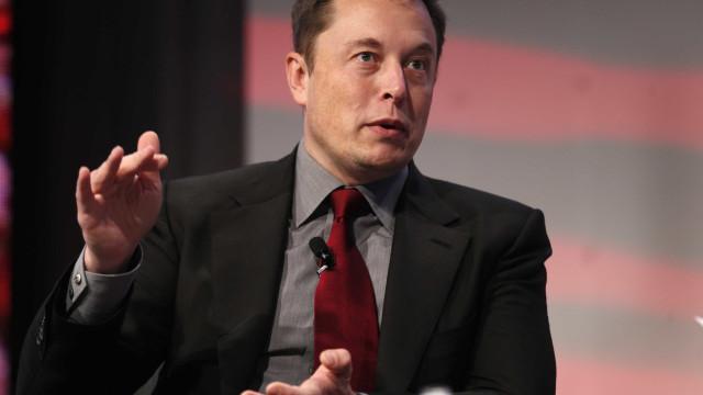 """Elon Musk: """"Foi legal levar o William Shatner ao Espaço"""""""