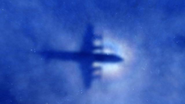 Encontrados destroços de avião desaparecido no Quênia