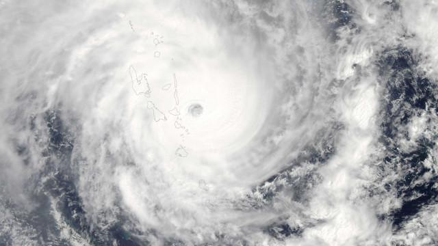 Passagem de ciclone em Omã deixa seis mortos