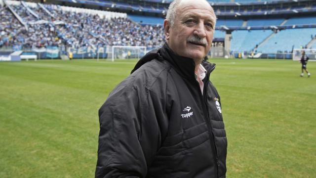 Felipão abre parte de treino, mas reforça dúvidas para a decisão