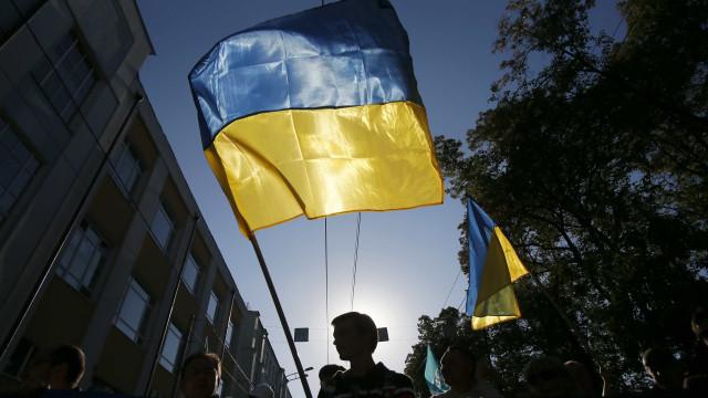Ucrânia ameaça usar todo o arsenal contra rebeldes pró-russos