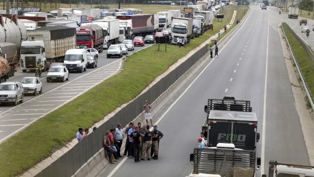 Protesto de caminhoneiros preocupa o governo