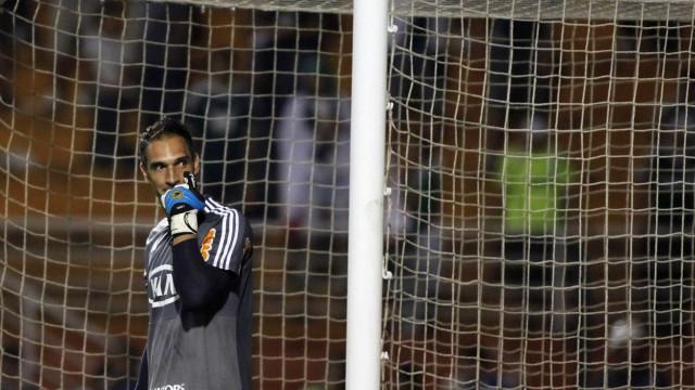 Fernando Prass pede que erros dos árbitros não sejam encobertos