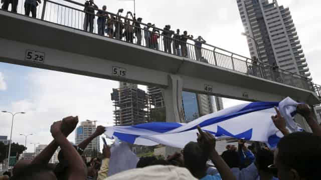 Etíopes protestam contra discriminação em Israel