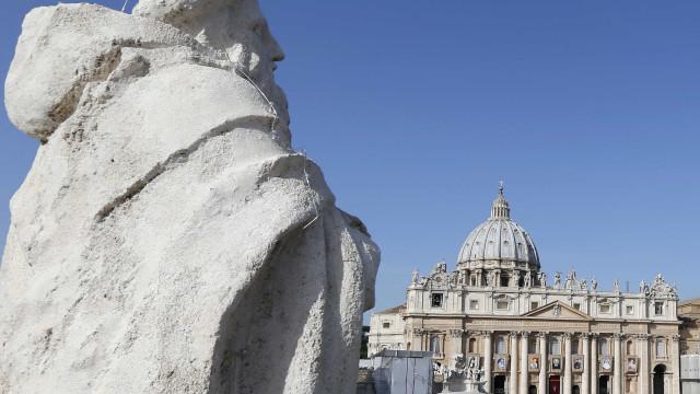 Vaticano tem uma das maiores comunidades gays do mundo, diz escritor