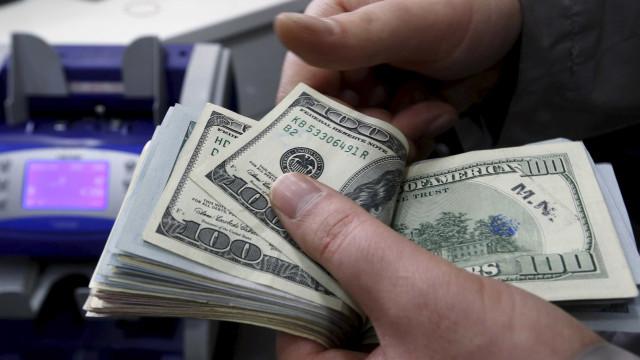 Entrada de dólares no país supera saída
