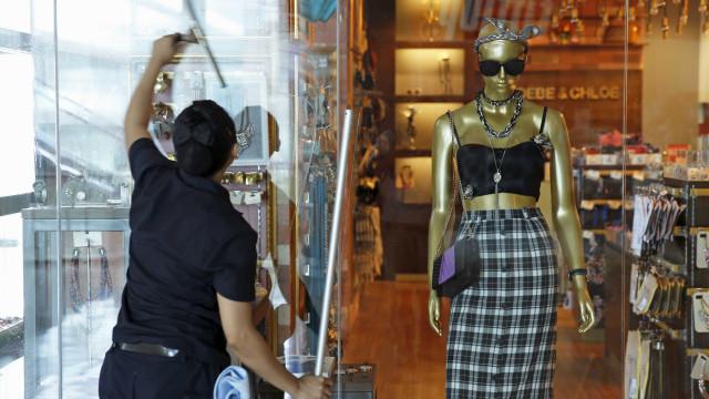 Movimento do comércio cai 26,6% em abril ante março, revela Boa Vista