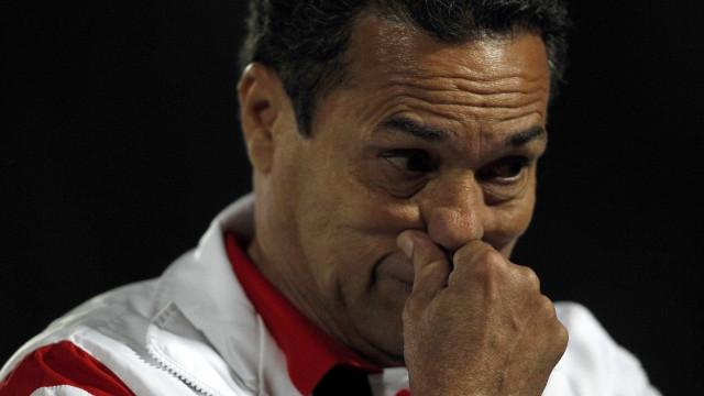 Luxemburgo testa time do Flamengo sem mudanças em coletivo