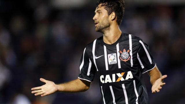 Corinthians receberá R$ 450 mil pela venda de Felipe