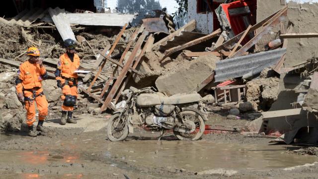 Sobe para 37 o número de mortos pelas chuvas e deslizamentos em MG