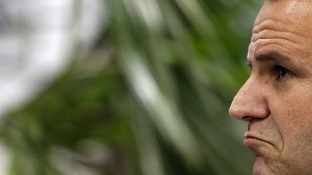 Paes vendeu casa no Rio e pode não ter onde morar, diz jornalista