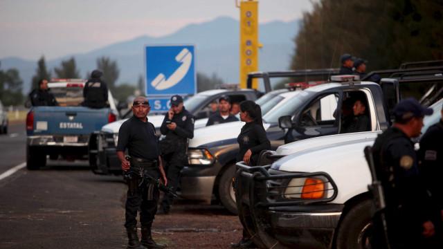 Tiroteio perto da fronteira do México com EUA deixa 14 mortos