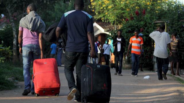 Haitianos em desespero veem EUA dobrarem esforços para deportar imigrantes