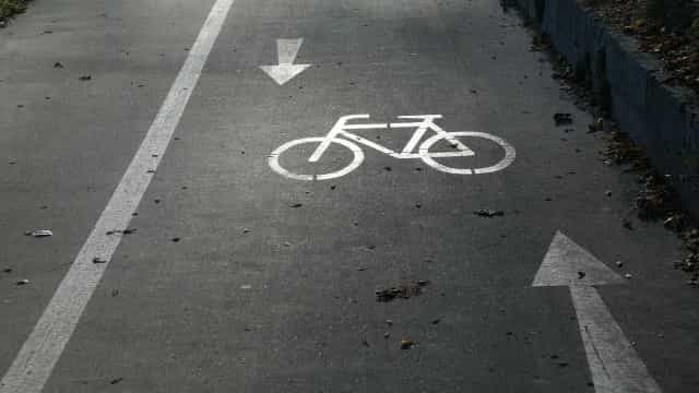 Bike para deixar onde quiser estreia em área nobre e com falhas em SP