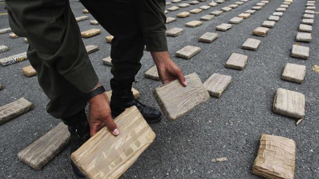 Polícia Federal apreende 10 quilos da droga ocultos em edredom